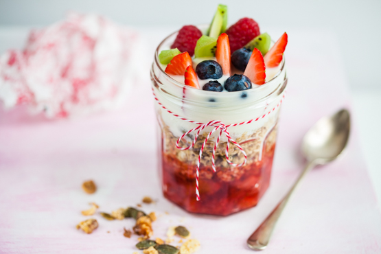 Granola with strawberry compote