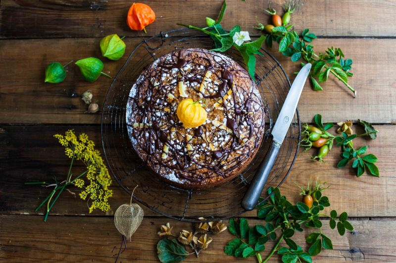 Spiced orange, carrot and quinoa cake