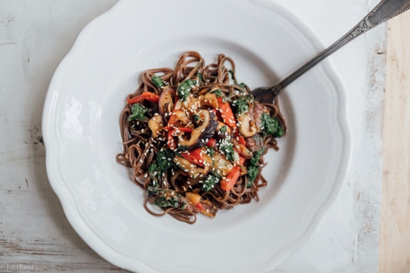 buckwheat noodle stir fry-1