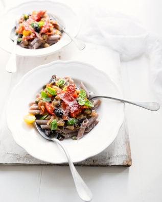 Buckwheat pasta with aubergine & tomato